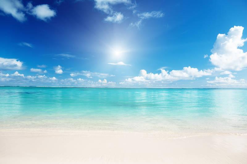 Картинки по запросу Яркое солнце над морем
