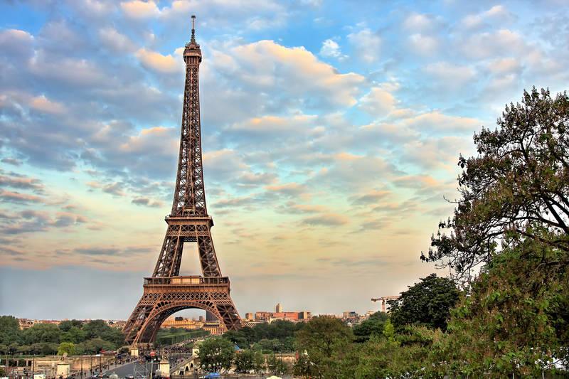 Фотообои под заказ Эйфелева башня