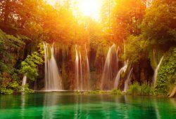 Водопад на закате