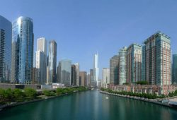 Река в мегаполисе